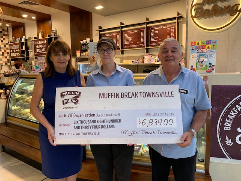 Muffin Break Townsville Presents Cheque to GIVIT